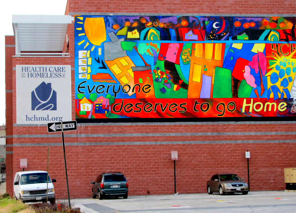 Mural on the wall of Health Care for the Homeless building. (Photo by Fern Shen)