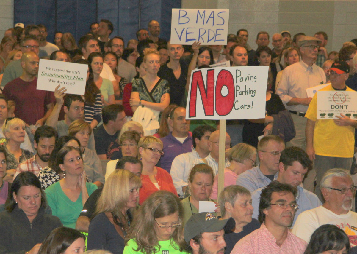 A crowd overwhelmingly hostile to the plan filled the rec center.
