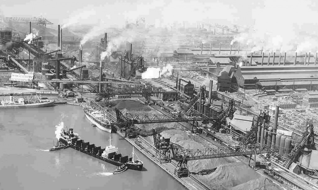 The turning basin, sought by the Maryland Port Authority, seen in 1953 when Sparrows Point dominated world steel. (Mark Reutter photo collection)