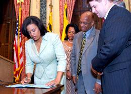 Mayor Rawlings-Blake signing new ethics legislation in 2010 in the wake of Mayor Sheila Dixon's resignation. (Office of the Mayor)