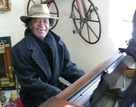 Pianist and composer Freddie Redd performing in 2009. (allaboutjazz.com)
