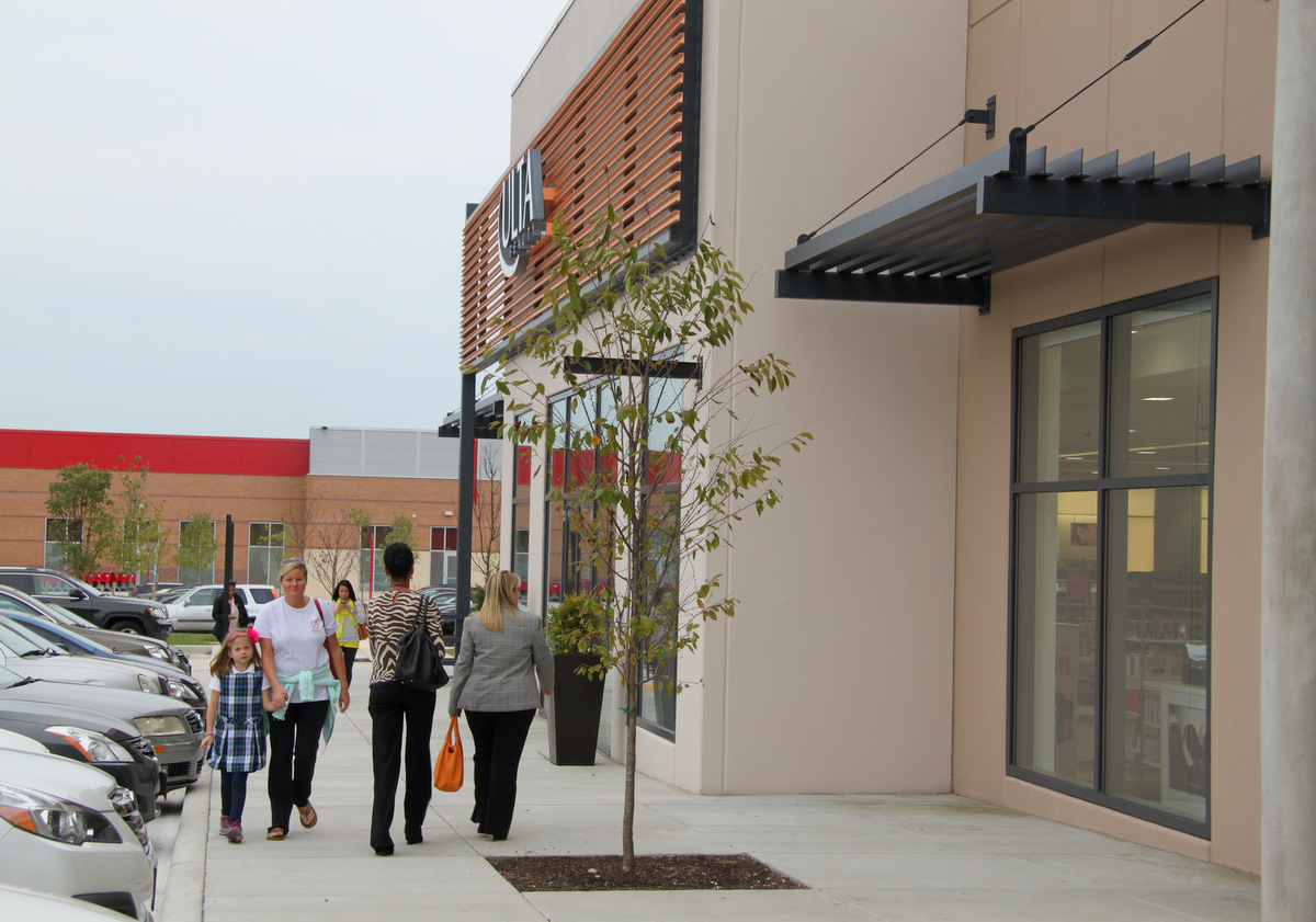 Shoppers check out the new Canton Crossing. (Photo by Fern Shen)