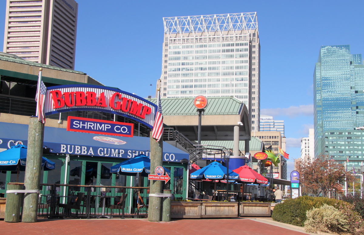 Chain restaurants and attractions dominate at the Harbor these days. (Photo by Fern Shen)