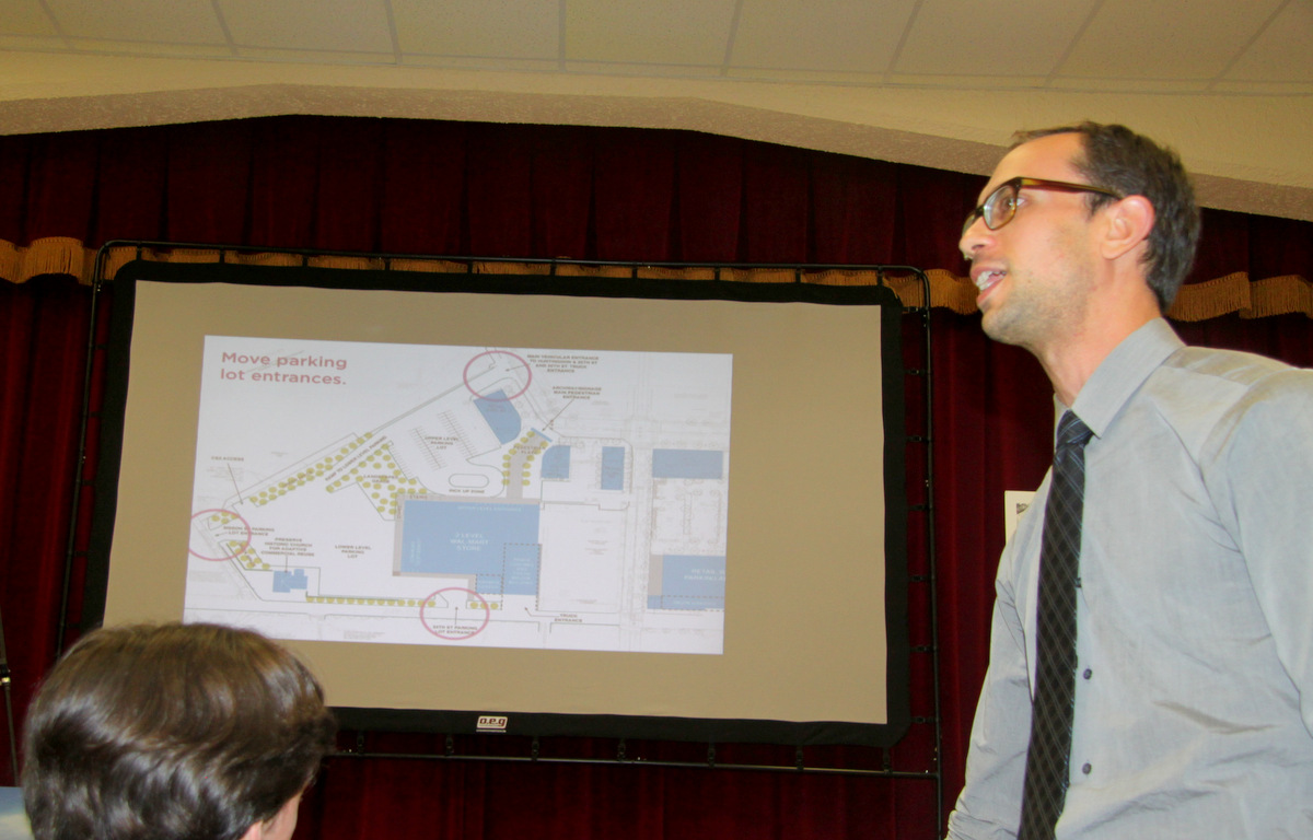 Old Goucher resident Bruce Willen presenting changes  he said would make the Wal-Mart project more pedestrian-friendly. (Photo by Fern Shen)