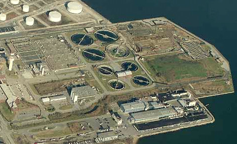 An aerial view of the Patapsco plant, site of Tuesday's sewer spill. The circular ponds trap sludge before the wastewater is released. (Courtesy of Johnson, Mirmiran, Thompson)
