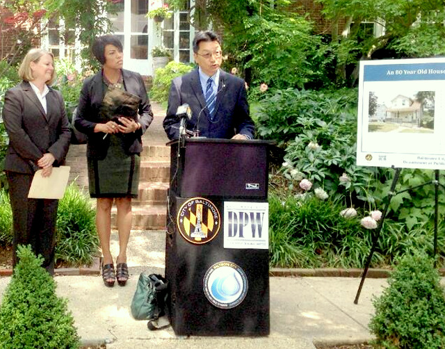 Rawlings-Blake appeared with HomeServe COO Deb Dulsky and DPW director Rudy Chow at a press conference last summer urging residents to plan the warranty plan. (Office of the Mayor)