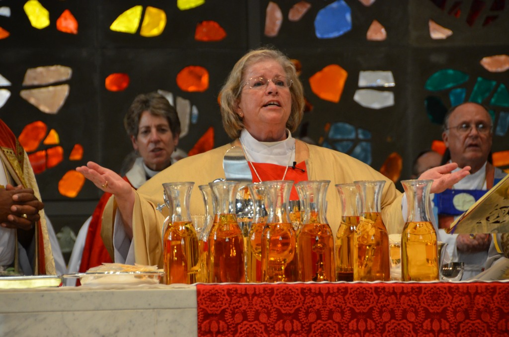 Heather Cook at her ordination last September as Bishop Suffragan. To her right is Primate Katharine Jefferts Schori, who has ordered a church investigation of her car crash with bicyclists Tom Palermo. (Episcopal Diocese of Maryland)