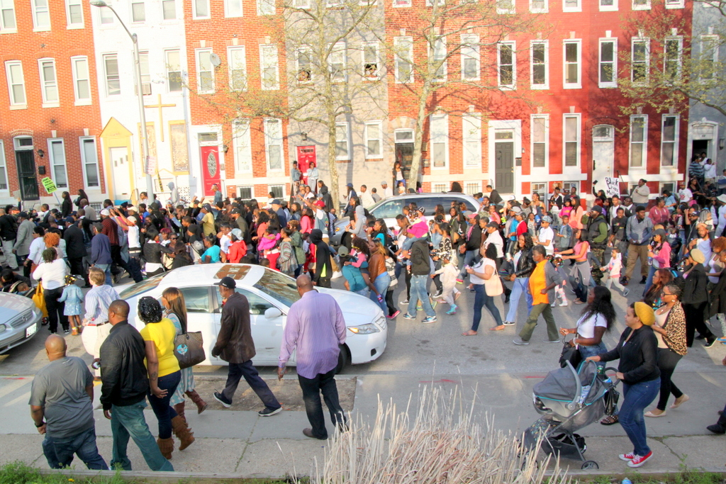 Protest over freddie gray's fatal arrest stretches for about five blocks up and down Mount Street. (Photo by Fern Shen)