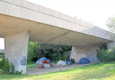 Homeless under route 40 over pass over Martin Luther King Blvd. (Photo by Fern Shen)