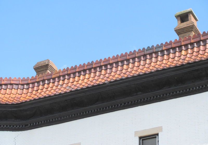 An example of the original cornice treatment of the houses along Auchentoroly Terrace. (Photo of Mark Reutter)