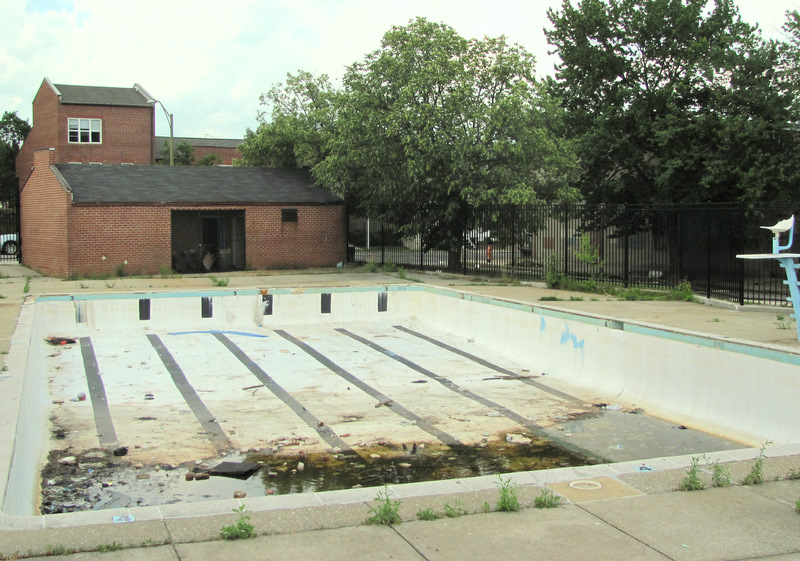 The now-abandoned former city pool on Harford Road in East Baltimore's Oliver neighborhood. (Photo by Mark Reutter)
