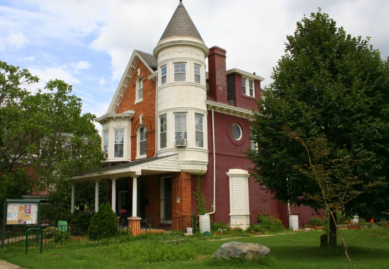 St. Francis Center, located in an old Victorian home on Linden Avenue in Reservoir Hill. (Photo by Danielle Sweeney)