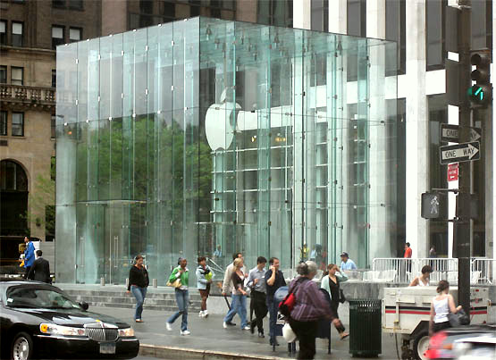 BCJ designed the Apple Store on 5th Avenue featuring a glass cube entrance and spiral staircase. (Photos above and below: dznworld.com)