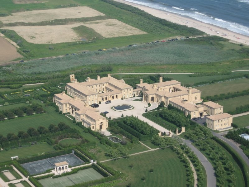 Ira Rennert's $200 million mansion on a 63-acre oceanfront property in the Hamptons. (luxury pictures.com)