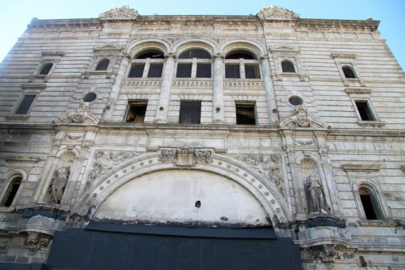 The Mayfair Theatre, next-door to the Franklin-Delphey Hotel, as it looked after the September 2014 fire. (Photo by Fern Shen)