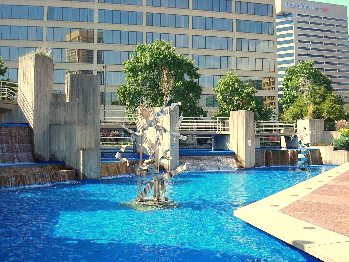 The McKeldin Fountain in operation two years ago. The Downtown Partnership terms the