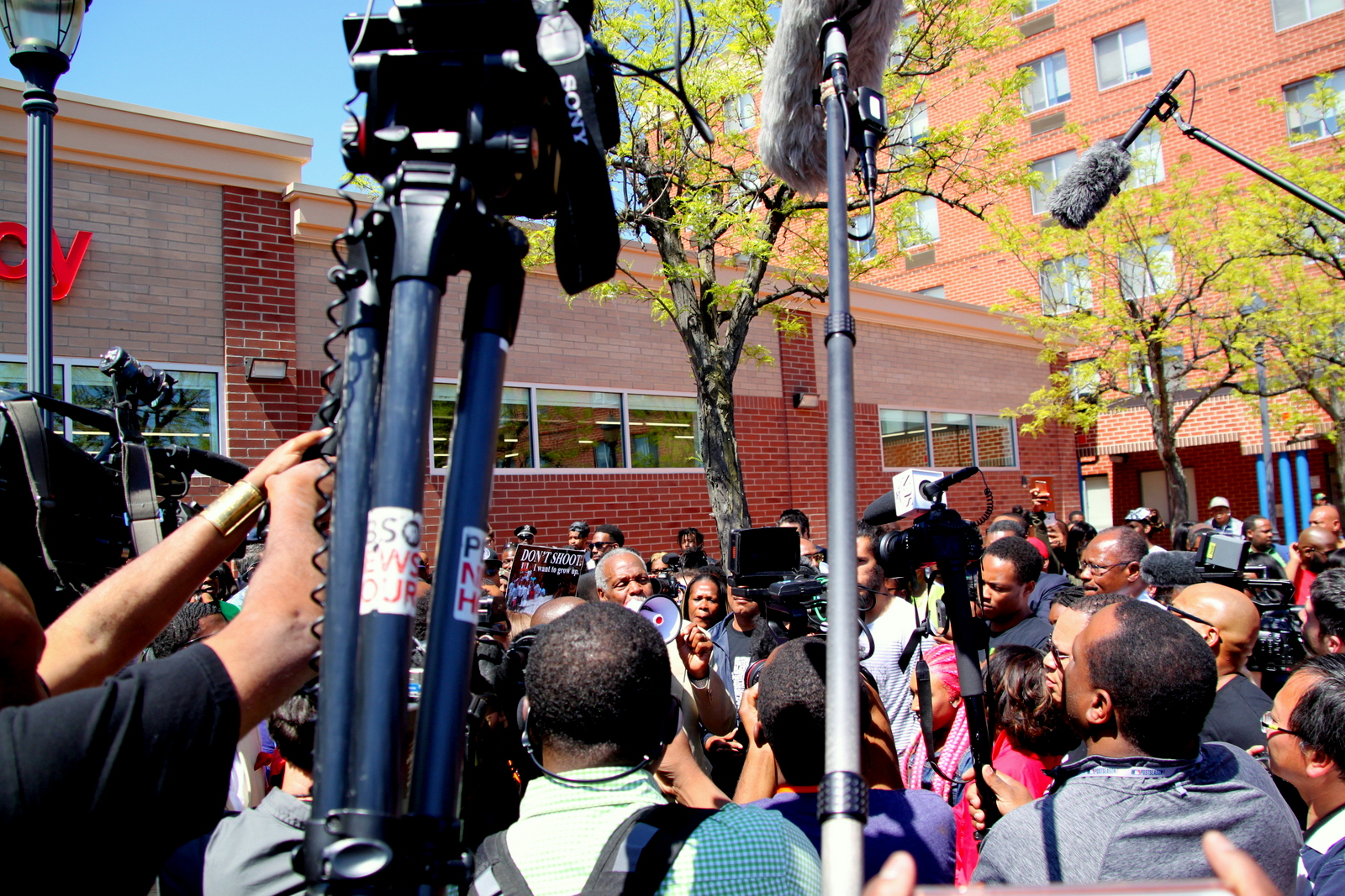 Actor Danny Glover addresses the crowd at Penn-North. (Louie Krauss)