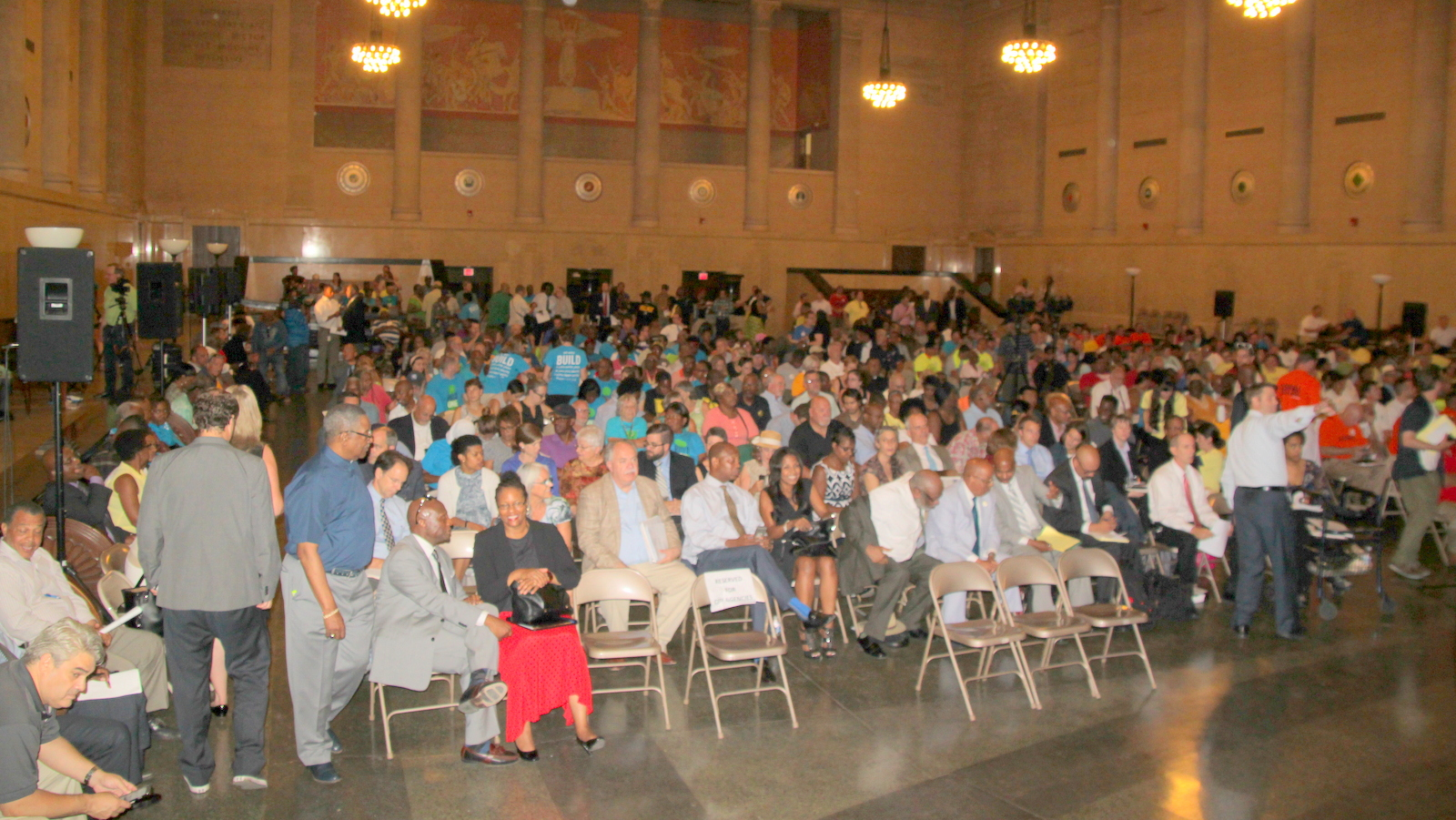 The War Memorial Building is filled to capacity at the start of public hearing on Port Covington. (Fern Shen)