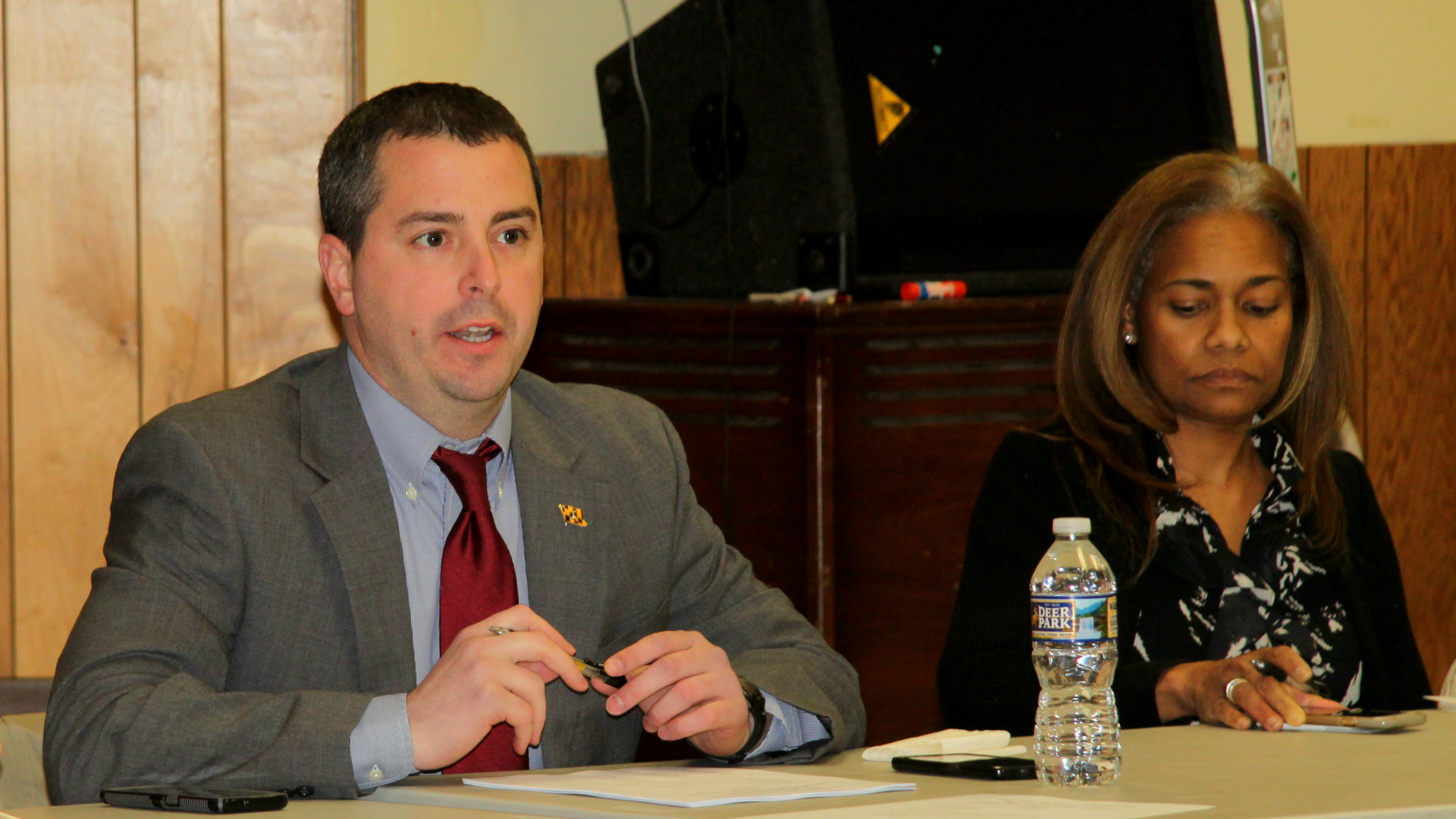Councilman Eric Costello chairs a meeting of the Cross Street Market Advisory Committee. (Fern Shen)