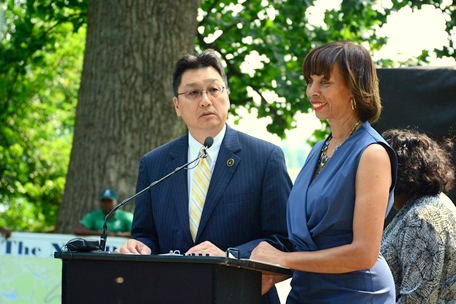 DPW Director Rudy Chow and Mayor Catherine Pugh tout the new features at Druid Hill Park once the underground water tanks are completed. The lake is scheduled to