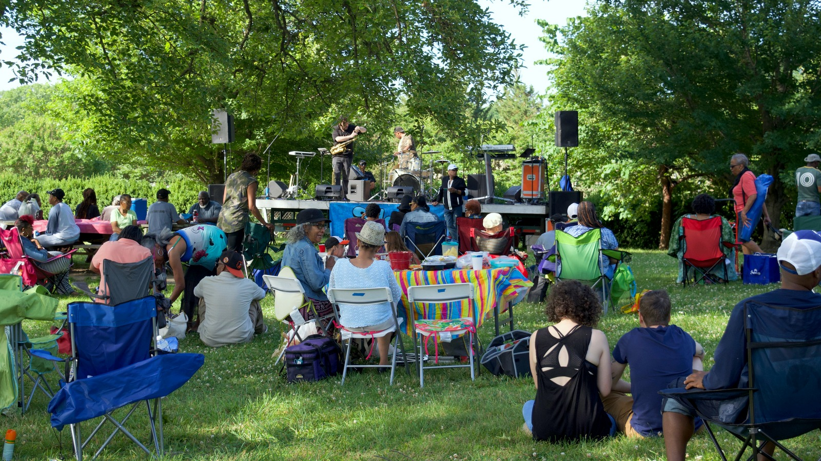 Live music always sets the tone for the weekly Druid Hill Farmers Market. (Lizzie Kane)
