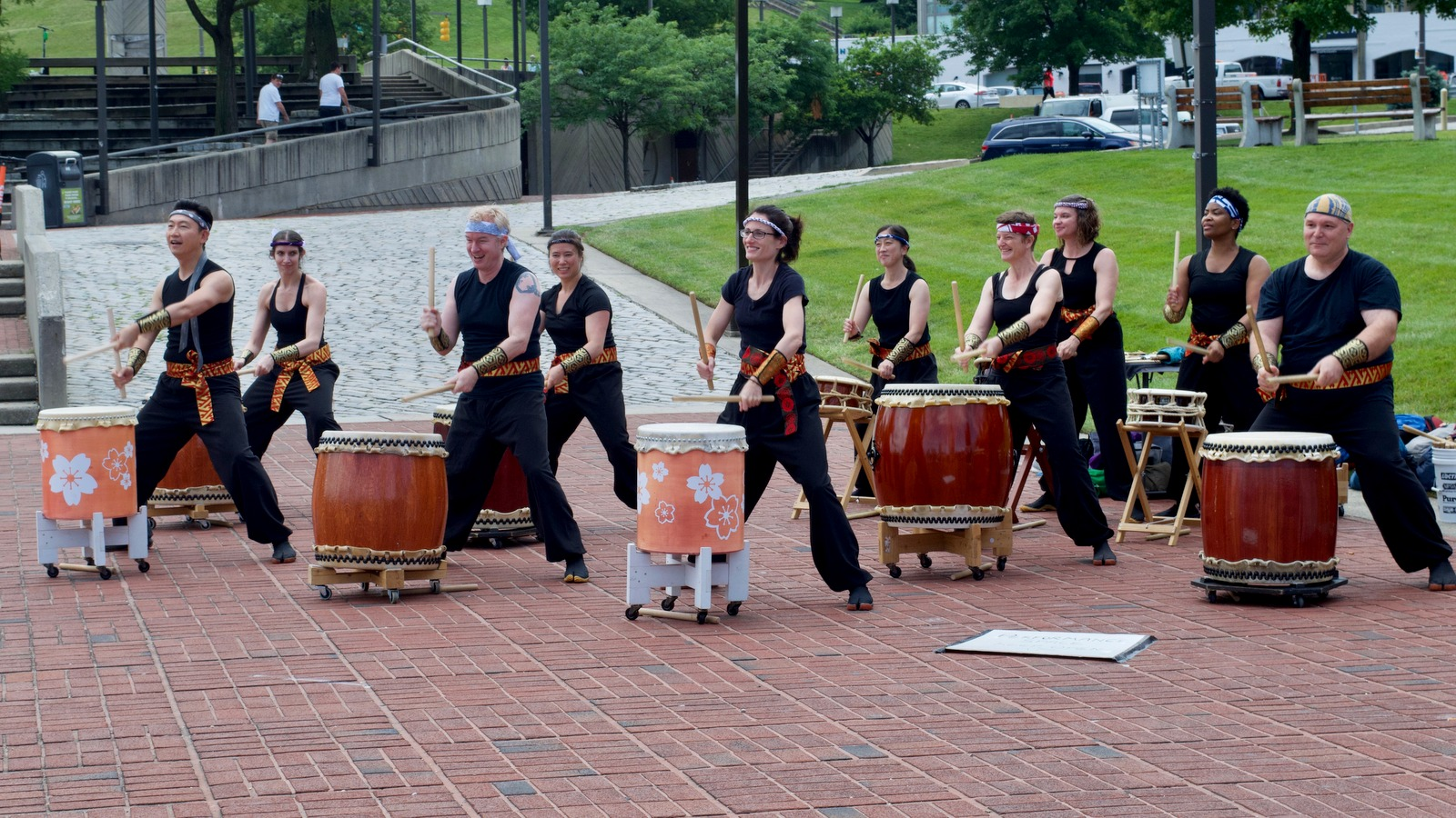 Miyako Taiko led off the lantern ceremony with a drum salute. (Lizzie Kane)
