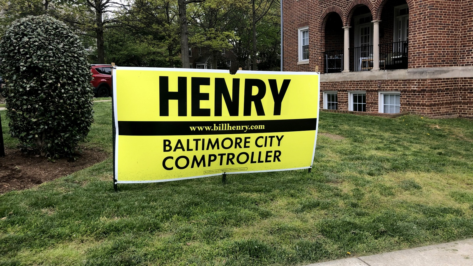 A Bill Henry lawn sign on University Parkway. (Fern Shen)