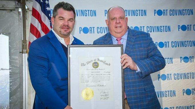 Maryland Governor Larry Hogan lauds Marc Weller at a Port Covington promotional event. (@wellerdevco)