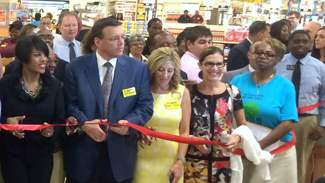 Mayor Stephanie Rawlings-Blake with the Klein family and other notable at the 2013 ribbon-cutting on the Howard Park ShopRite. (Klein Family Markets)