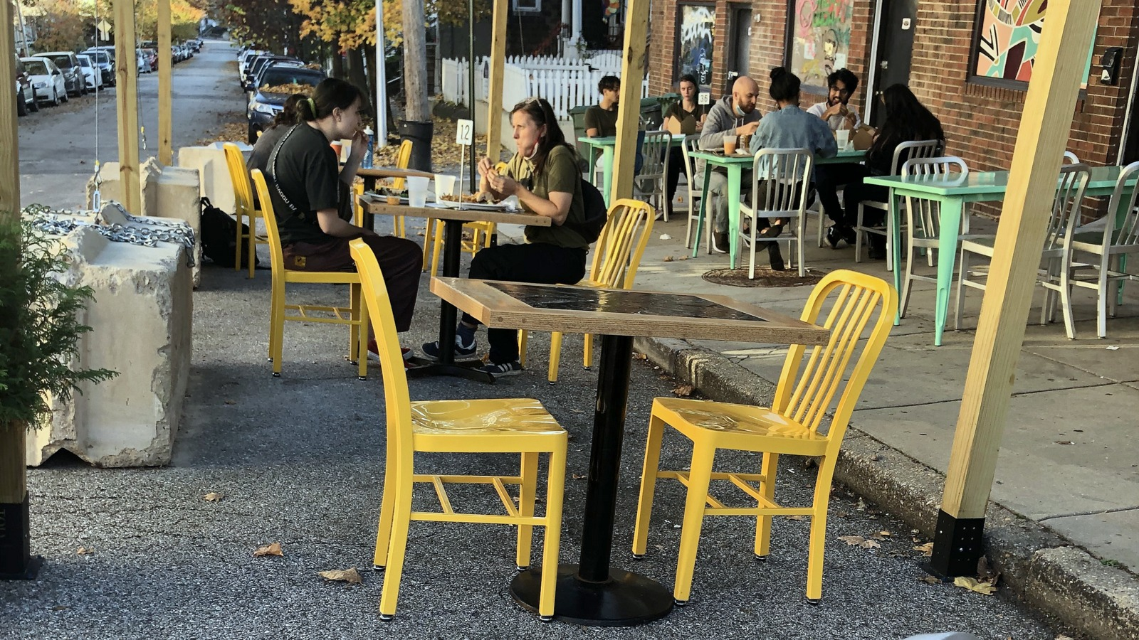 Outdoor dining in Hampden on a warm November afternoon. (Fern Shen)