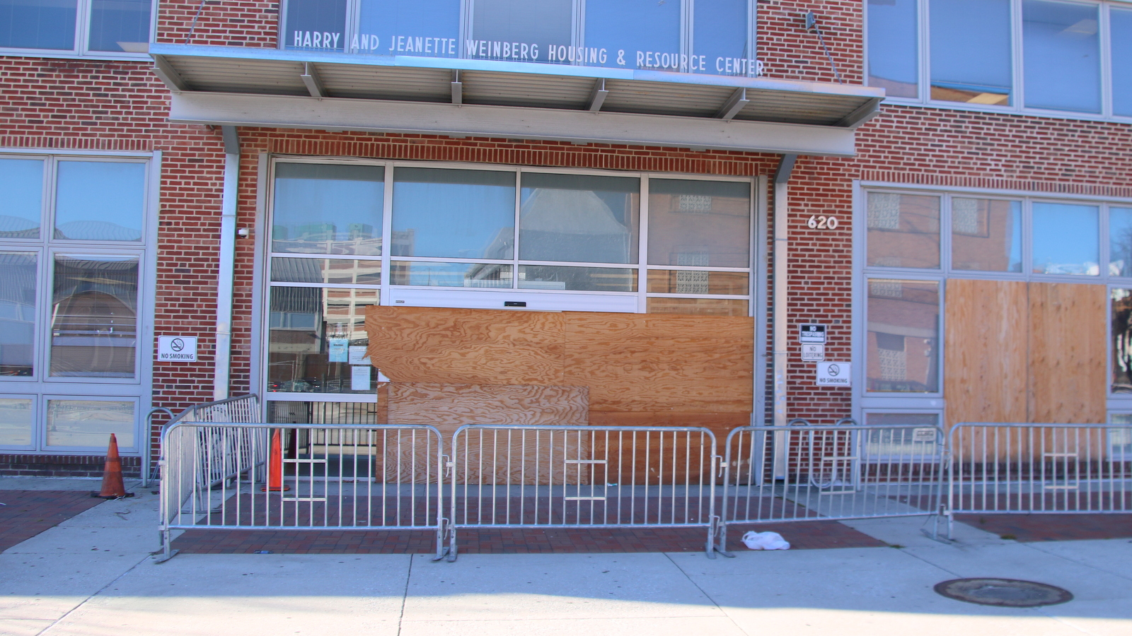 Since a Covid-19 outbreak in June, Baltimore's shelter on the Fallsway has been closed. (fern Shen)