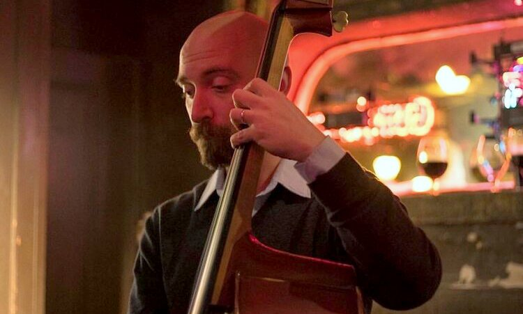 Jeff Reed performing at Bertha's in Fells Point.(jeffreedbass.com)