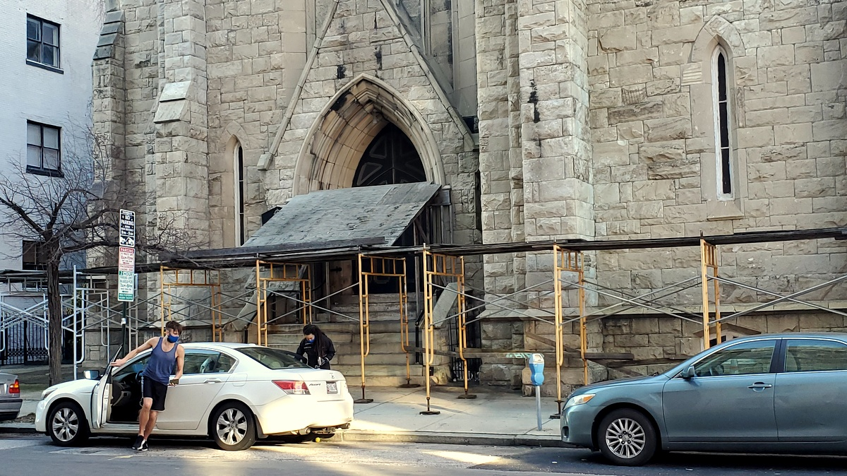 St. Louis-based ministry buys Mount Vernon church surrounded by scaffolding