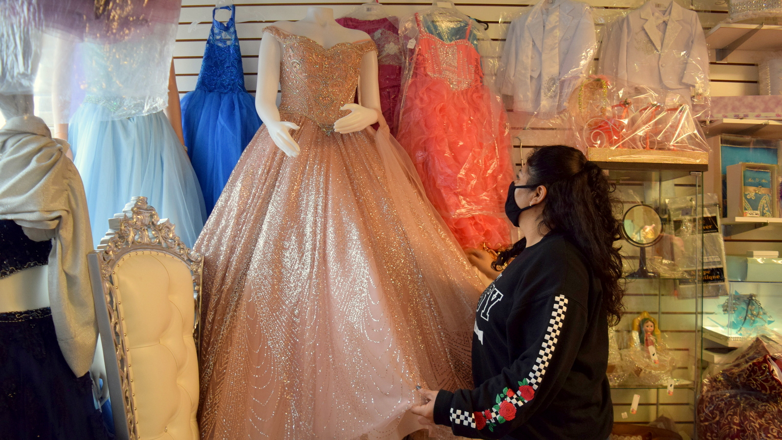 When the pandemic struck, no one was buying Edith Esquivel's quinceanera dresses or other supplies for special events. (Vanessa Gabriela Sanchez)